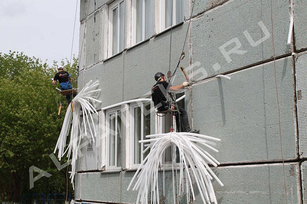 Как избавиться от плесени в углах стен